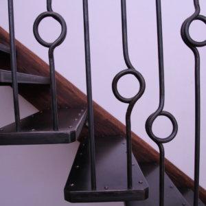 Treppe geschmiedet Sonderanfertigung Altholz
